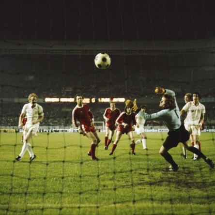 Instantánea de la final de la Copa de Europa 1975 entre Bayern de Múnich y Leeds United.